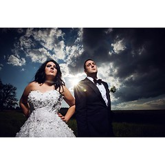 """wenn man auf einer italienischen hochzeit sagt: hey guckt mal bitte als wärt ihr abgehobene mafiosi. :D """"luigi, fahr den wagen vor und pack die tommygun ein"""" hahahaha #hochzeitsfotograf #hochzeitsfoto #hochzeitsfotografie #stuttgart #heiraten #nikon #brau (hochzeitsfotograf.stuttgart) Tags: hochzeitsfotograf hochzeitsfotografie hochzeit hochzeitsbilder braut bräutigam brautpaar photoshop lightroom fotograf photographer photography wedding weddingphotographer bride groom couple"""