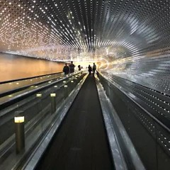 *All* the feels — 2006 - 2010 💕 (anokarina) Tags: appleiphone8 nationalmall monumentalcore smithsonianinstitution art museum nationalgalleryofart instagram nofilter judiciarysquare video animation giphy gif walkway concourse west east moving ledlights installation