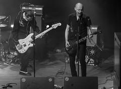 The Punisher : bajo ; Jeffrey Lee Burns : guitarra - The Flaming Sideburns (samarrakaton) Tags: rock guitarra guitar bilbao bilbo bizkaia 2018 nikon d750 antzoki band grupo directo live theflamingsideburns bn bw blancoynegro blackandwhite monocromo