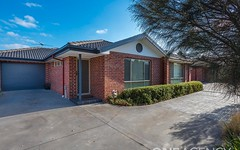 2/17 Grout Court, Sunbury VIC