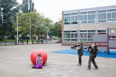 (Peter de Krom) Tags: buitenspelen camouflage dorp geweld hoogbegaafd hoogbegaafdheid jeugd kind kinderen oorlogje soldaat soldaatje spel spelen spelletjes straat timon woonwijk war games school girl shot playground