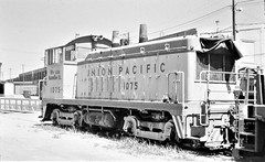 Union Pacific NW2 locomotive at Omaha in 1975 9404 (Tangled Bank) Tags: old clasiic heritage vintage classic railway railroad train equipment north american