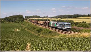 SNCF 467629 + 467471 @ Hennuyères