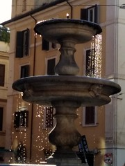 Acqua, ristoro estivo. (d'acqua) Tags: fontana acqua water roma rionemonti piazzamadonnadeimonti estate calura fresco caldo summer