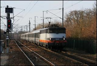 La BB 16107 à Orry-La-Ville le 15 mars 2009.