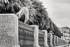 Emotional perspective - Эмоциональная перспектива (Valery Parshin) Tags: russia stpetersburg saintpetersburg canoneos70d canonefs55250mmf456isstm girls monochrome blackandwhite