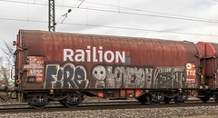149_2018_03_10_Menden_6185_042_DB_mit_gem_Güterzug_Köln (ruhrpott.sprinter) Tags: ruhrpott sprinter deutschland germany allmangne nrw ruhrgebiet gelsenkirchen lokomotive locomotives eisenbahn railroad rail zug train reisezug passenger güter cargo freight fret staugustin mendenrheinl koblenz köln db dispo mrcedispolok rtb sbbc sncb eloc rb27 ice ic es64u2 es64f4 rurtalbahn pcc mosolf txltxlogistik wlb 0037 1216 4482 6101 6143 6145 6151 6152 6185 6186 7186 6187 6189 6193 0425 bahnbaugruppe logo outdoor natur graffiti
