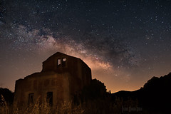 Milky way over old rail station (jsanchezq65) Tags: milkyway milkiway astrophotography astronomy astronomia sky skynight nightscape nightphotography night old forgotten abandoned galacticcenter nikond700 d700 awesome darksky darkplaces