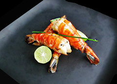 Giant charcoal grilled garlic prawns with Key Limes (Robert C. Abraham) Tags: prawns seafood grilled grilling grill bbq barbecue keylimes food garlic chives meal snack appetizer shrimp charcoal fingerfood shellfish