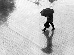 Feeling dark (Guido Klumpe) Tags: umbrella kontrast contrast gegenlicht shadow schatten silhouette leonegraph streetphotographer streetphotography candid unposed street germany deutschland city stadt monochrome bw blanco negro bn sw schwarz weis panasonicgx80 mft hannover