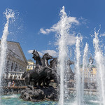Fountain with four galloping horses at Manege square, Moscow thumbnail
