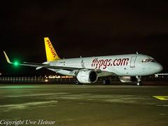 Pegasus Airlines TC-NBL HAJ at Night (U. Heinze) Tags: aircraft airlines airways airplane planespotting plane eddv haj hannoverlangenhagenairporthaj olympus 1240mm flugzeug night