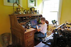 desk7 (FAIRFIELDFAMILY) Tags: jardinaire forest pottery weller antique typewriter underwood carson jason taylor roll top rolltop desk clock niloak vase chelsea ship ships brass rookwood jasperware quezel lamp shade fan loetz collection arts crafts mission cut glass radio child old dentist chair tiger quarter sawn quartersawn oak office winnsboro fairfield county sc south carolina