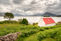 Red Roof House (Paul C Stokes) Tags: redroofhouse redroofcottage redroof red roof house cottage shieldaig scotland northcoast500 northcoast north coast 500 croft crofthouse westerross wester ross sonya7r2 sonya7rii sony a7r2 a7rii zeiss1635mm zeiss 1635 1636 1635mm loch sel1635z