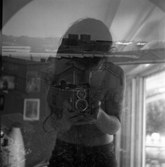 film (La fille renne) Tags: lafillerenne film analog semflexstandard45 semflex mediumformat 120 6x6 foma fomafomapan200 blackandwhite monochrome mx doubleexposure multipleexposure selfportrait city