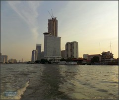 Thailand Bangkok Afternoon 20180127_172136 DSCN1847 (CanadaGood) Tags: asia seasia asean thailand thai ราชอาณาจักรไทย bangkok krungthep river chaophrayariver hilton hotel thonburi expressboat building architecture canadagood 2018 thisdecade color colour