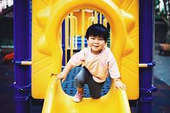 (奈勒斯 / LINUS) Tags: nikon f100 film filmcamera kid child boy playground