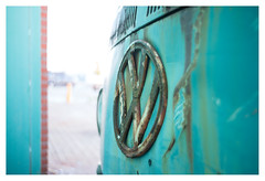End of the line (leo.roos) Tags: vw transporter volkswagen decay logo emblem car van cyan turquoise a7rii autotakumar3523 pentax m42 july2018classicprimes week35 dyxum challenge darosa leoroos