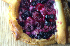 Dark Berries Danish (Tony Worrall) Tags: add tag ©2018tonyworrall images photos photograff things uk england food foodie grub eat eaten taste tasty cook cooked iatethis foodporn foodpictures picturesoffood dish dishes menu plate plated made ingrediants nice flavour foodophile x yummy make tasted meal nutritional freshtaste foodstuff cuisine nourishment nutriments provisions ration refreshment store sustenance fare foodstuffs meals snacks bites chow cookery diet eatable fodder dark berries danish sweet pastry sugar fruit