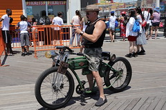 IMG_6144 (Brooklyn Cyclist) Tags: coneyisland mermaidparade 2018 brooklyn canonm50 18150lens broghton boardwalk lunapark neptuneave