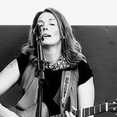 portrait: Brandi Carlile (maj488/mike) Tags: songs song singing singer sing performing performance lockn fesitval guitar branicarlile liveperformance vocal band