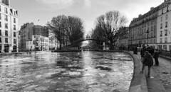 Saint-Martin glacé (Sébastien Casters) Tags: paris france blackandwhite noir glace saintmartin canal hiver froid rue