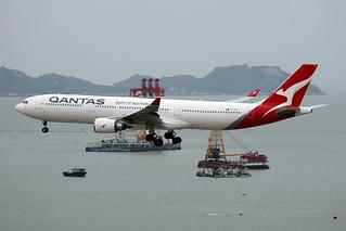 Qantas Airways A330-300 VH-QPH landing HKG/VHHH