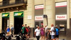 Est ce que la Banco Popular... (patrick2211(ex Drozd1)) Tags: banque banques humour barcelone espagne