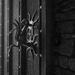 Knocker (the underlord) Tags: knocker nationaltrust powiscastle wales cymru welshpool door dragon