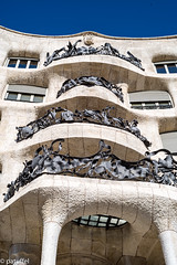 Front view Casa Milà - Barcelona (patuffel) Tags: casa mià barcelona spain catalonia gaudi antonio leica 50mm summicron