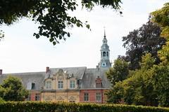 Abdij van Postel (Karl Van Loo) Tags: norbertijnen abbey abdij postel bomen trees kerk church haag hedge belgië belgium