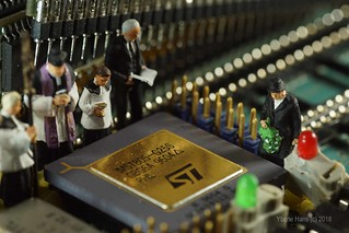 Inside Electronics: Funeral of Transputer Technics MM
