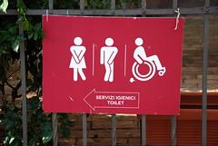 2018-07-14-175416 Viterbo (MicdeF) Tags: bagni cartello serviziigienici toilet viterbo