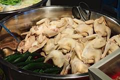 Volailles à découper (8pl) Tags: volaille poulet ciseaux marché taitung 台東 soir marchédenuit cuve viande nourriture taïwan appétit ville nuit