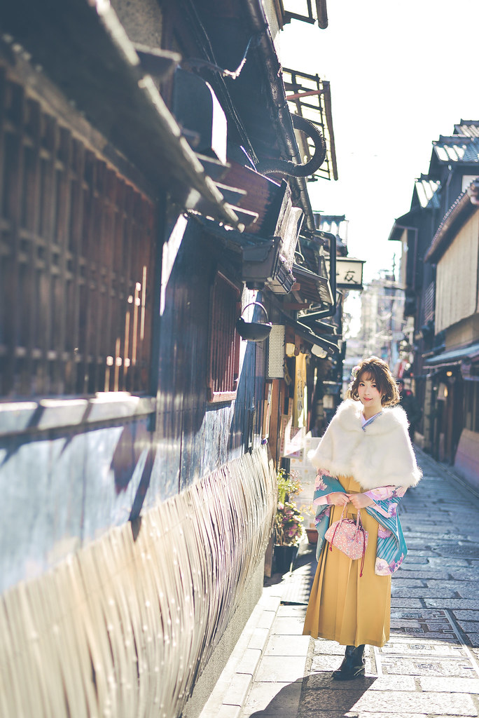 walking around kyoto in kimono-1-21