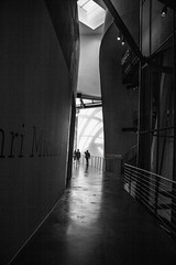 Ombre e Luci (314 Photographer) Tags: bilbao spagna guggenhein museo bn blackwhite bw ombra luce linee architetture 314photographer