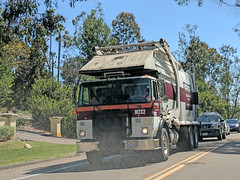 Edco Truck 7-3-18 (2) (Photo Nut 2011) Tags: california garbagetruck trashtruck sanitation wastedisposal waste truck garbage junk trash refuse sandiego delmar m232 edco