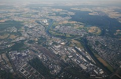 Hanau from the air - facing south (roomman) Tags: 2018 germany aviation transport plane fly flight lot polish airline airlines lufthansa travel travelling lh dlh transportation air jet planes airport spllg llg b737 737 beoing boeing737 lpwa waw eddf fra poland hanau south