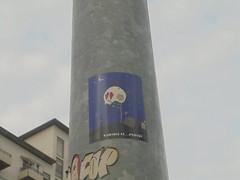 412 (en-ri) Tags: trackle zero adesivo sticker torino wall muro graffiti writing palo blu teschio skull love amore rosso nero