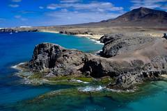 _DSF3813-2-2 (manomesa) Tags: lanzarote playa canarias españa fuji fujixpro1 leica3570macro leica cielo azul