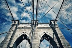 Experiment on Brooklyn Bridge (ipadzwochris) Tags: amerika america usa bridge building brooklynbridge brooklyn newyorkcity nyc reise travel ny newyork