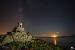 Antiguo Faro Cabo Vilán - Camariñas- Vía Láctea & puesta de Luna (albertoleiras) Tags: puestadeluna vialactea cabovilán camariñas galicia acoruña nocturna milkyway estrellas stars canon6d canon1740f4l
