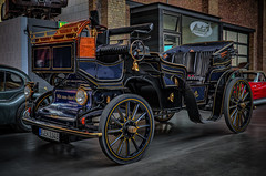Carriage with electric drive for sightseeing tours (Peter's HDR hobby pictures) Tags: petershdrstudio hdr classiccar klassiker carriage carriagewithelectricdrive kutsche kutschemiteloktroantrieb sightseeing stadtrundfahrt