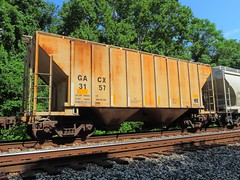 GACX 3157 (Proto-photos) Tags: gacx 3157 2bay 40ft train railroad connellsville pennsylvania railcar freightcar rollingstock weathered coveredhopper lo c111