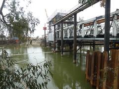 Reconstructing the Koondrook - Barham Lifting Bridge, Victoria (Diepflingerbahn) Tags: rivermurray koondrookbarhambridge liftingbridge construction civilengineering tiefbau victoria nsw koondrook