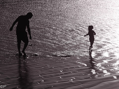 Child's Play... (THE.ARCH) Tags: oceanside california socal southerncalifornia beach water pacificocean ocean child father