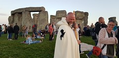 Summer Solstice 2018: Thousands celebrated longest day of the year at Stonehenge (Stonehenge Stone Circle News www.Stonehenge.News) Tags: stonehenge summer solstice open access druid gathering sunset sunrise pagan english heritage visit wiltshire neolithic
