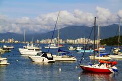Porto Belo - SC (Paulo_Padilha) Tags: santacatarina portobelo barcos boat mar praia litoral paulopadilha brasil brazil beach ocean summer beautiful