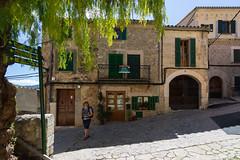 Valldemossa Oldtown (piotr_szymanek) Tags: mallorca city architecture marzka valldemossa street
