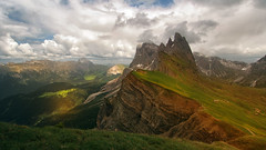 Seceda - Mountains are high - and very beautiful (Ostseeleuchte) Tags: secedaalps alpen südtirol southtyrol
